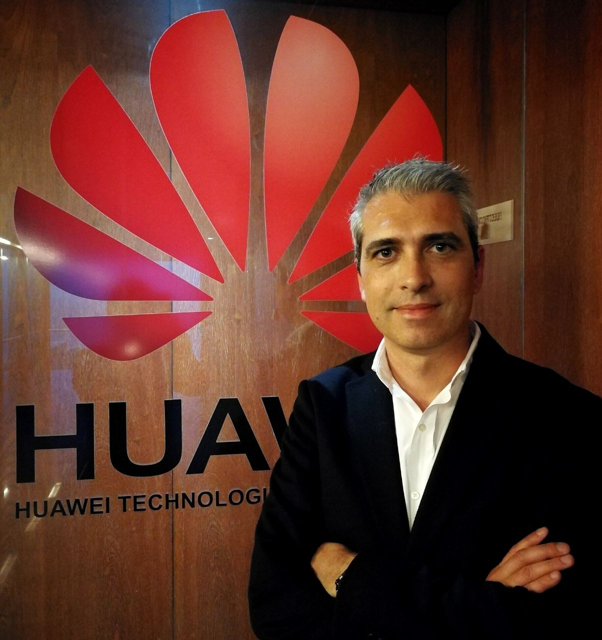 Tiago Flores_Sales Manager Huawei